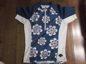 Ladies DESCENTE cycling jersey (M) NEW