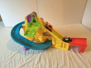 Piste de course Fisher Price Little People