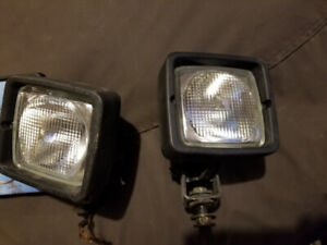 CAT auxiliary lights