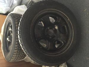 Tire hiver toyo avec RIM 215-55-R17