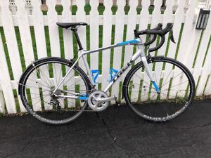 2018 56cm Trek Domane AL3 w/ Ultegra & 105 11-speed Groupset