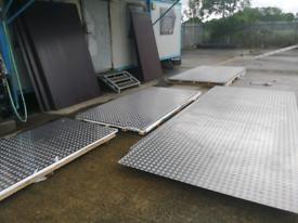 Aluminium chequered plate trailer flooring