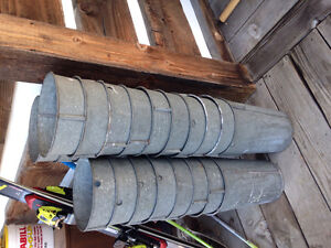 Tin sap buckets, very good condition $5  each or take all at 4 $