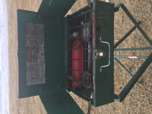 Portable camp stove with stand