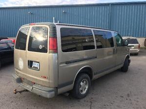2001 GMC Savana SLE Minivan, Van