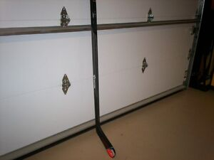 Bâton Easton V7 Senior Grip left gaucher & EQ444 Junior droitier