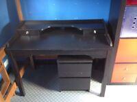 Computer/writing desk.