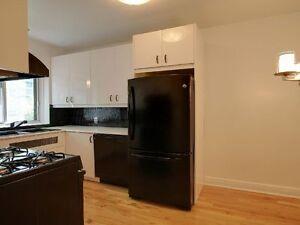 Large 1 chambre à coucher | Balcon | Chauffage + eau chaude Inc