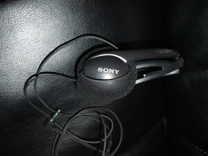 Sony Foldable Headphones:   MDR A106:  Like New