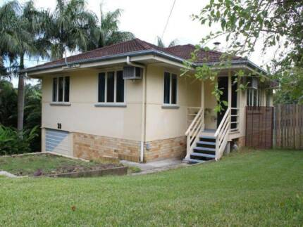 HIGHSET-4BR,BIG FENCED YARD,HIGHSET,CLOSE 2 SCHOOL,BUS,MARKET