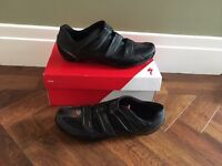 Men's size uk 8.6 Specialized cycling sport road shoes.