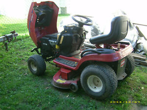 Newly reconditioned lawn tractor Cornwall Ontario image 3