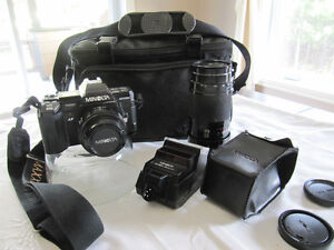 MINOLTA 35 MM MAXXUM 7000 CAMERA & ACCESSORIES