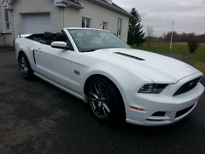 2014 Ford Mustang GT décapotable