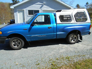 ------1999 MAZDA 1/4 TON --COMPLETE TRUCK FOR PARTS ------------