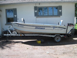 1997 SYLVAN SUPER SNAPPER WITH 20HP MERC AND TRAILER