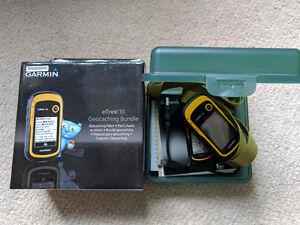 Handheld GPS unit - Garmin eTrex 10 geocaching bundle