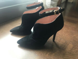 ENZO ANGIOLINI PAMLA Black Suede Designer Ankle Strap Boots Boot