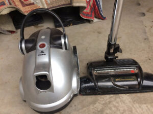 Hoover Wind Tunnel Bagless Vacuum