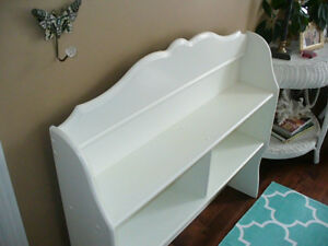 Very Nice Two shelf Book Case Hutch