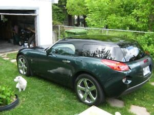 2007 Pontiac Solstice Coupe roadster