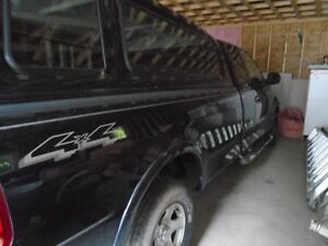 2002  Ford F-150 XLT Pickup Truck 8' BOX