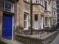 2 bedroom flat in Bruntsfield Avenue, Bruntsfield, Edinburgh, EH10 4EW