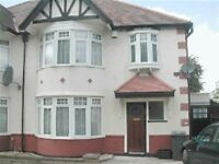 4 bedroom house in Lyndhurst Gardens, FINCHLEY, N31