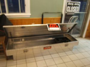 DeeZee Tool Box for full size tuck box. In excellent shape $350