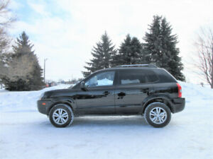 2009 Hyundai Tuscon GLS w/ Just 143K!!  ONE OWNER!!  CERTIFIED