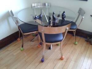 contemporary dining room table/chairs