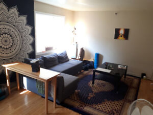 1 Room available in amazing shallow North End apartment!!!
