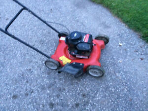 LAWNMOWER FOR SALE ! Tuned up, blade sharpened $40.00 obo