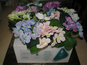 "~ NOW 1/2 OFF ~ PARTY LITE  ~  6"" HYDRANGEA RING  ~  $19.99 ~"