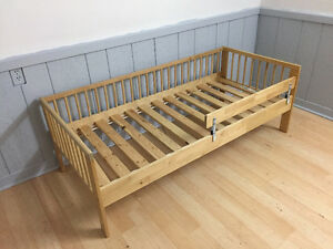 Ikea toddler bed (including mattress & 2 mattress covers)