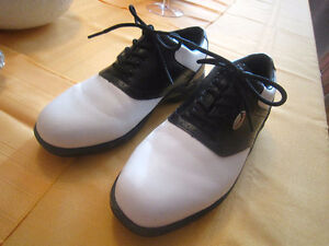 Golf Shoes sz. 10,11,8,8.....-STRATHROY London Ontario image 2