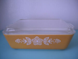 PYREX #503 2 PIECE BUTTERFLY GOLD REFRIGERATOR DISH