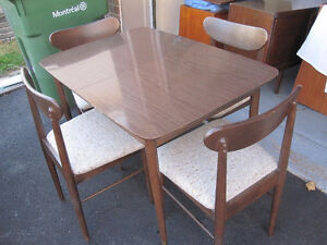 mid century retro dining set / table and four chairs