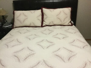Quilted bedspread and shams