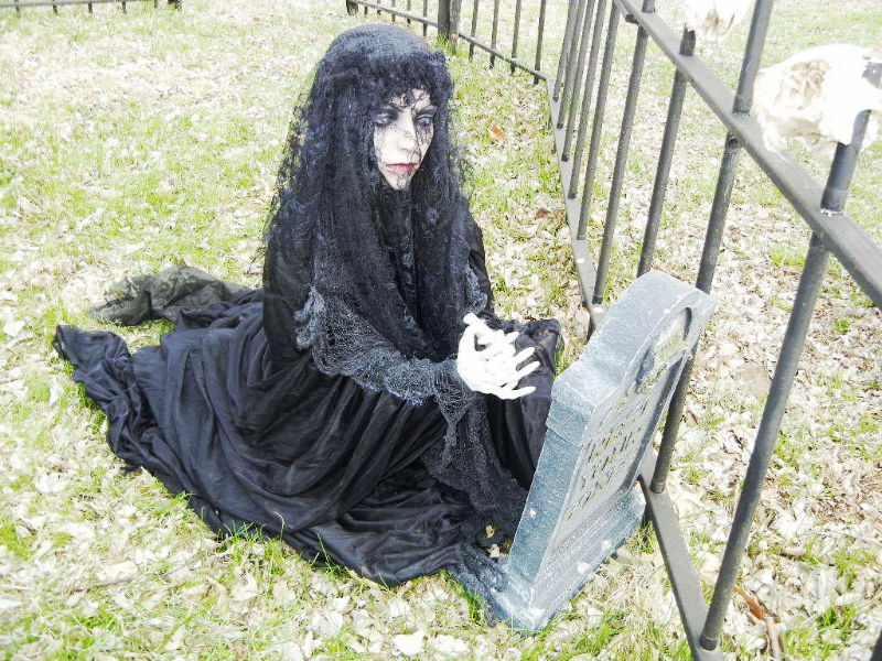 LIFESIZE CEMETARY MOURNING - PRAYING GIRL HALLOWEEN PROP - STANDS or KNEELS LooK