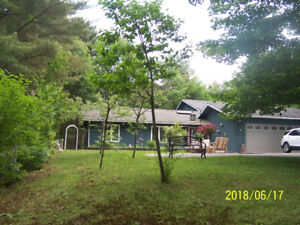 Location! Beautiful Country Living in Parry Sound