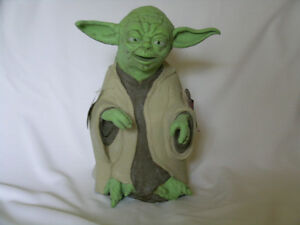 Star Wars Yoda vinyl hand puppet / new with tags Kitchener / Waterloo Kitchener Area image 1