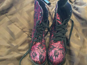 Fuchsia and lace hot topic boots