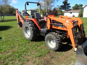 Compact Tractor w/loader & backhoe