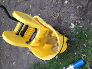 Rubbermaid commercial scrub bucket and wringer