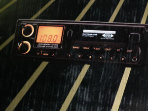 AM  FM  CASSETTE  PULL  OUT  RADIO  NEW  IN  BOX .