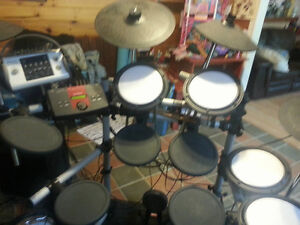 electronic yamaha drumset and amp