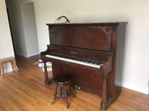 **Reduced price** Piano