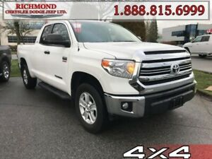 2017 Toyota Tundra SR5 Plus  *LOCAL* *ONE OWNER*