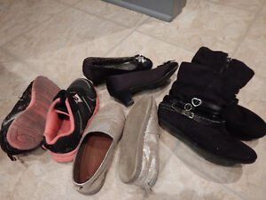 Assorted footwear girls size 10 Cambridge Kitchener Area image 1